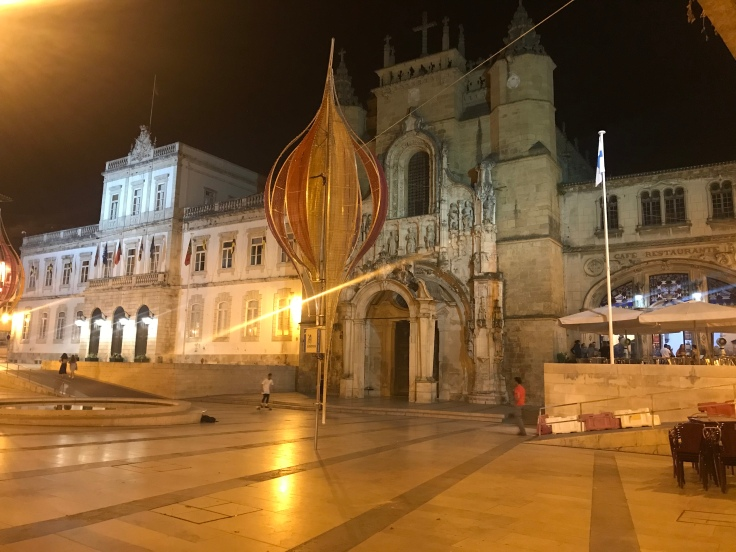 One last night shot of the Cathedral. And kids skateboarding. Goodnight Coimbra!