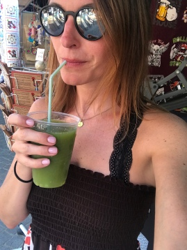 My body was seriously craving healthy food, so I opted for a detox juice of greens and Apple. Super yummy.