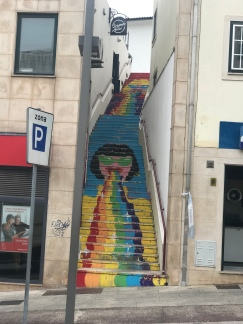 Only thing better than colored steps? Colorful murals!