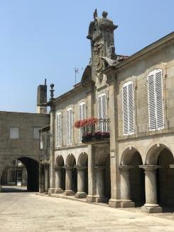 This building was on the back of the Praza da Pedreira.