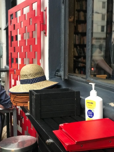 Just about everywhere in NZ seems to offer sunscreen, and many places have sunhats you can use too. Brilliant!